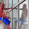 В Китае мытьем окон занимаются люди-пауки